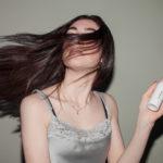 Haarausfall bei Frauen - Ausdünnen von Haare und die Behandlung
